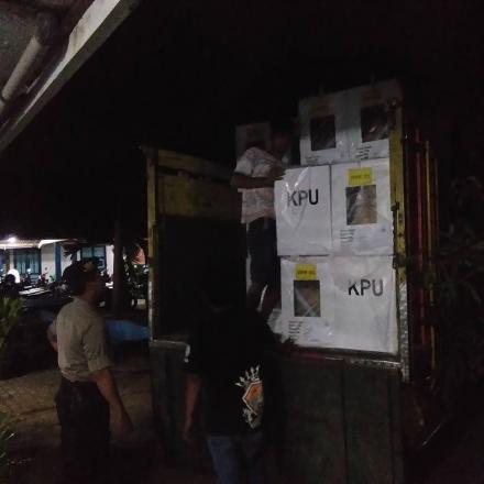 Logistik Pemilu 2019 tiba di Kelurahan Argomulyo