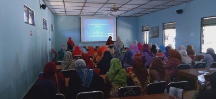 Evaluasi Program Jam Belajar Masyarakat oleh PKK Argomulyo